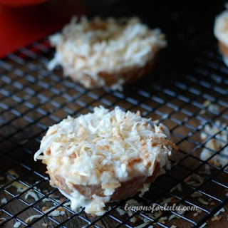 Baked Toasted Coconut Donuts #whatsyourid.