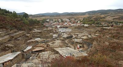 Photo: Il y a 5000 terrasses carrées mais en partie inutilisées. A l'origine tout était en bois