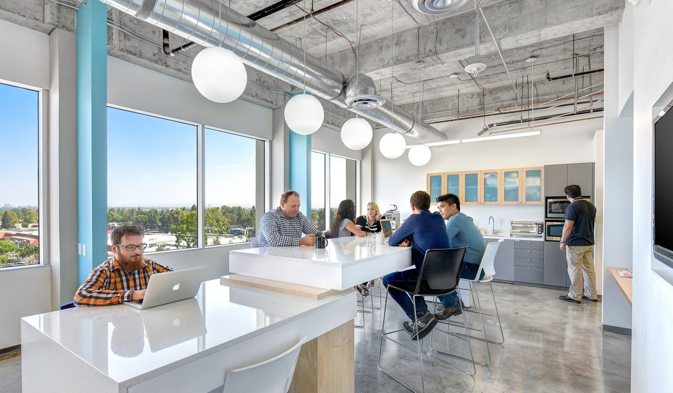 Coworking Space Costa Mesa: 10 Best Spaces with Pricing, Amenities & Location [2021] 29