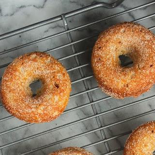 Baked Apple Cinnamon Doughnuts