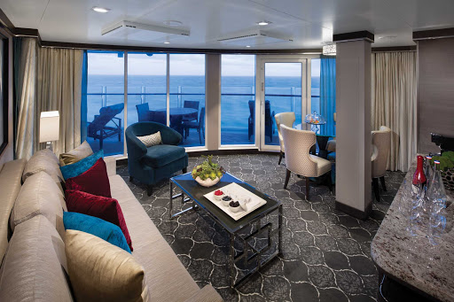 symphony-of-the-seas-AquaTheater-Suite-Deck10-10334-LR.jpg -  Book an AquaTheater Suite on deck 14 for eye-popping views of the Aqua Theater on Symphony of the Seas.
