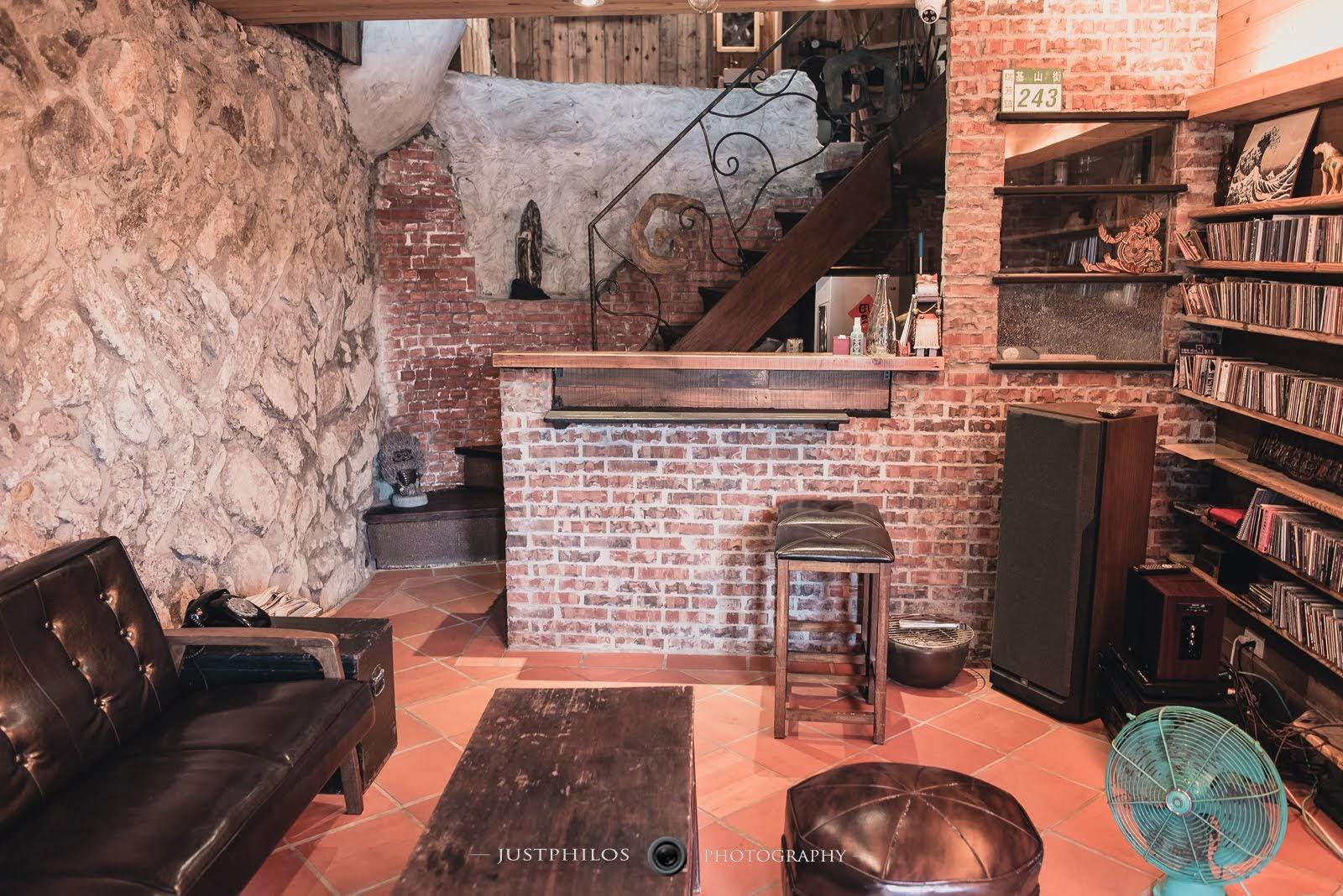 民宿內以復古的形式呈現,有如置身與老宅內的感覺。