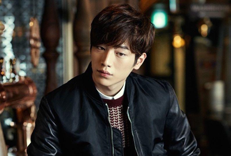 dating alone seo kang jun abs