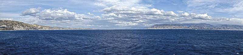 Il cielo, il mare e quello che sta in mezzo di lugiube