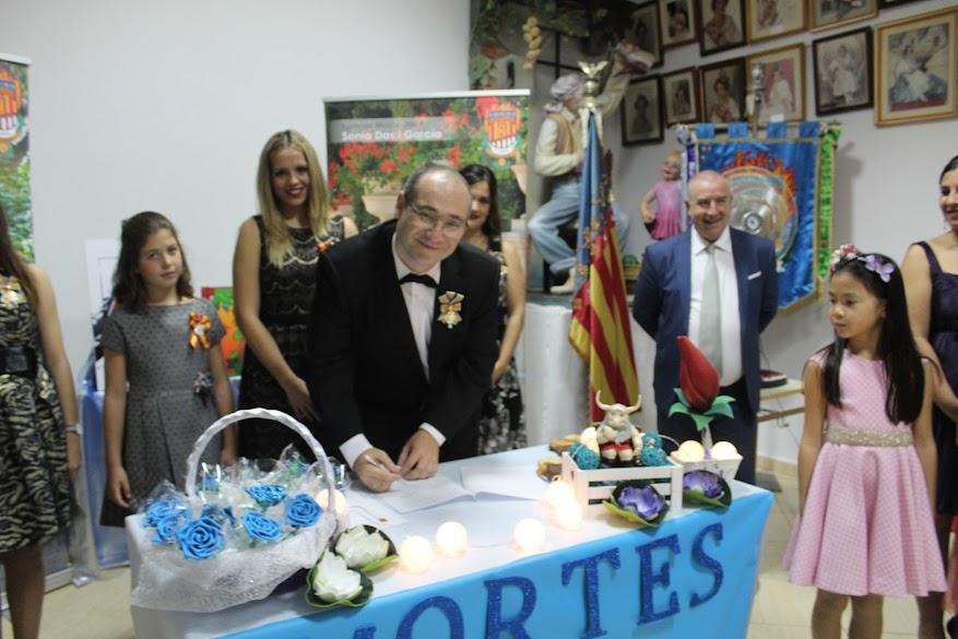 Signatura de contractes dels monuments 2019 de Vicente Mortes de Paterna