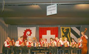 Photo: Eröffnung durch die Grossformation