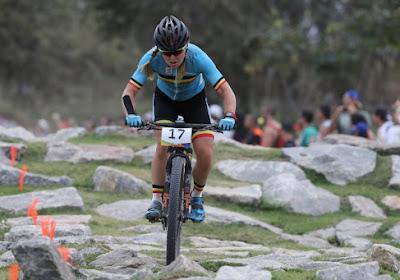 Githa Michiels grijpt nipt naast overwinning in mountainbikewedstrijd