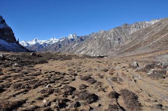 Photo: Vue arrière entre Lhonak et Pangpema