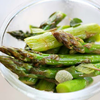 Asparagus with Sesame Oil and Herbs Recipe