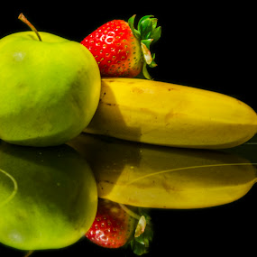 Green Apple-Red Strawberry-Yellow Banana by Kamlesh Kumar - Food & Drink Fruits & Vegetables ( banana, diet, freshh, apple, fruits, healthy, strawberry )