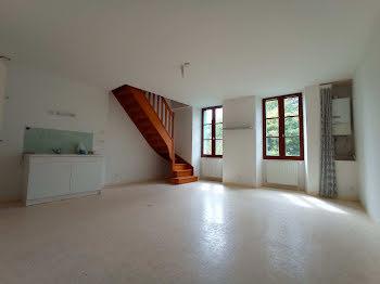 appartement à Chezal-Benoît (18)