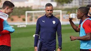 José Gomes en el entrenamiento celebrado en el Anexo.