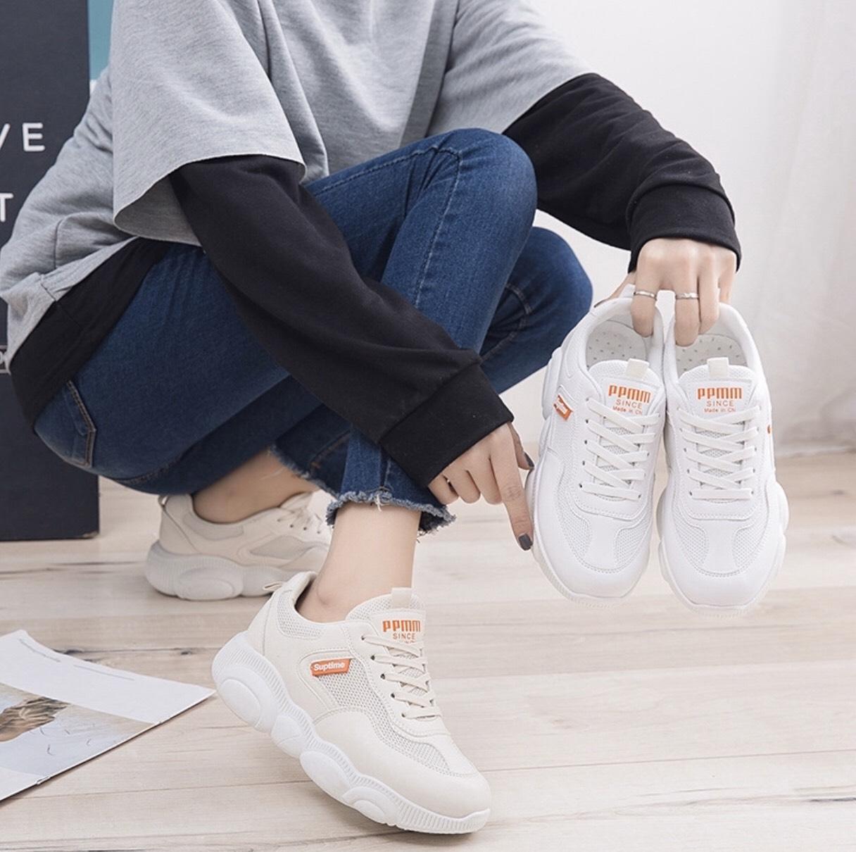 Giày thể thao nữ trắng