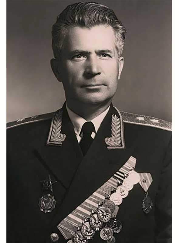 Спиридонов С.Л. - ком-р сводной группы 250-го зен.арт.полка