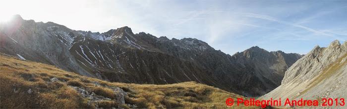 Photo: Panorama 1 la cresta dei Monzoni salendo a Passo Selle