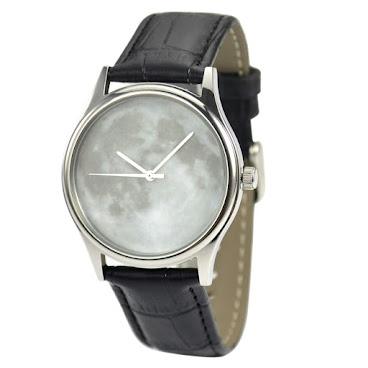月球手錶白色