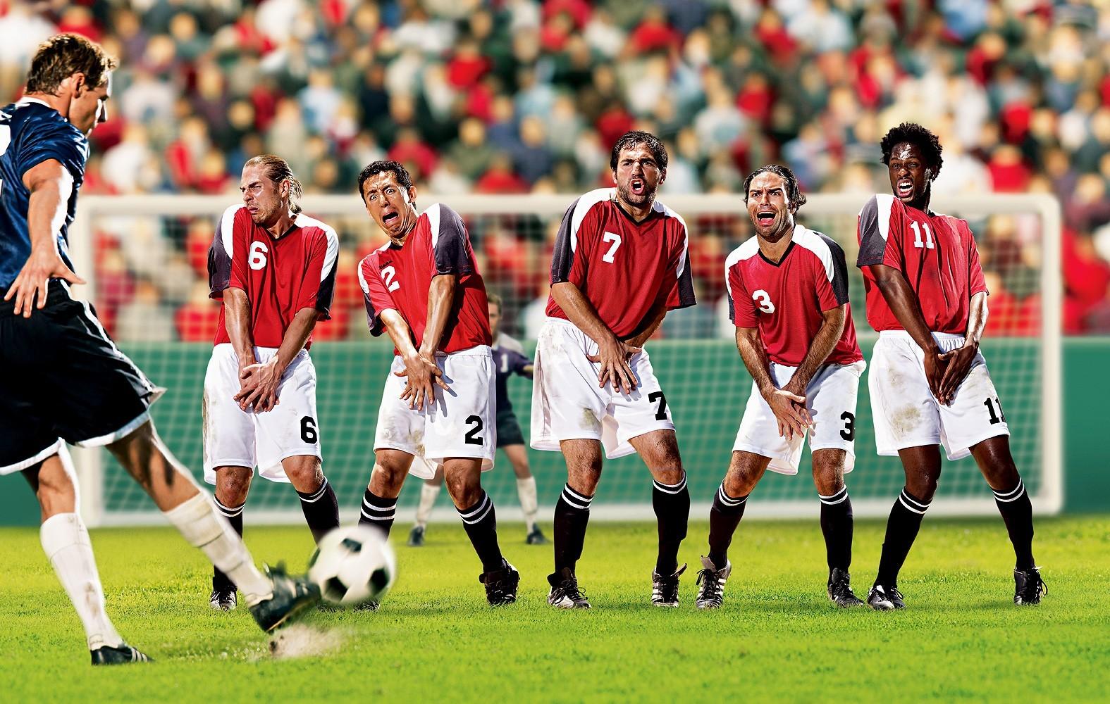 soccer-funny_00365680.jpg