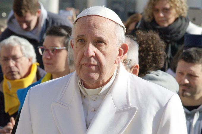 Pope Francis in St. Peter's Square, Feb. 6, 2016. Credit: Alexey Gotovskiy/CNA.