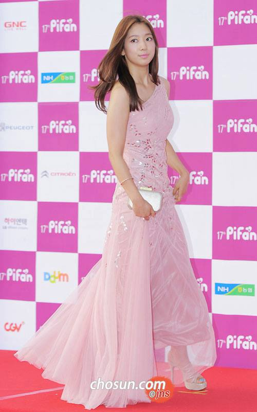 shinhye gown 18