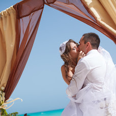 Wedding photographer Aleksandr Molokov (AlexMolokov). Photo of 04.10.2014