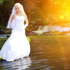 Wedding photographer Vladimir Savushkin (sowa8030). Photo of 29.10.2012