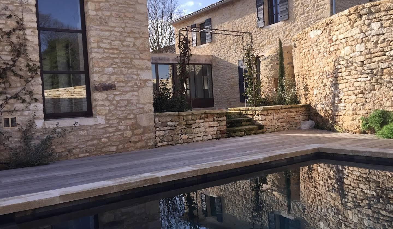 Maison contemporaine avec piscine et jardin Saint-pantaleon