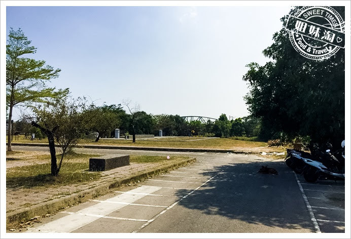 舊鐵橋濕地公園停車場