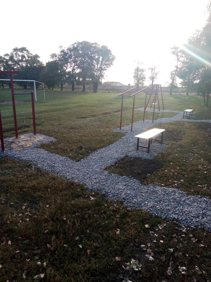 Установка детской площадки на стадионе