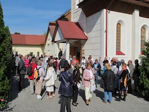 Photo: Rou1P31-151004rencontre des paroissiens, sortie de messe, parvis, Targu Mures IMG_9162