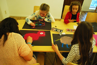 Photo: Kids verzinnen monsters tijdens workshop