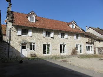 maison à Peyrieu (01)