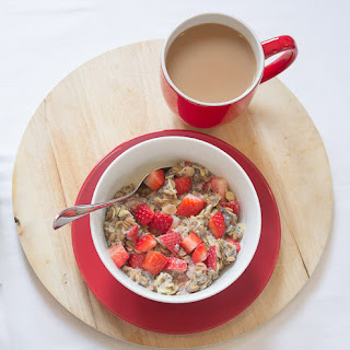 Strawberry and Almond Rye Flakes Porridge.