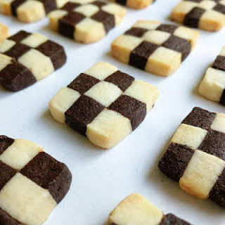 Checkerboard Cookies Recipe (Black and White Cookies).