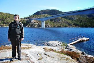 Photo: Litlsundbrua, Jørnøya, Tustna, april 2009