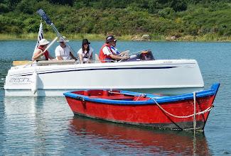 Photo: Après le cours de matelotage, un cours de pilotage sur la rivière du SACH