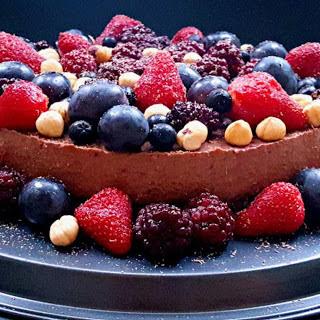 Raw Chocolate Cream Cake With Berries [Vegan, Gluten-Free]