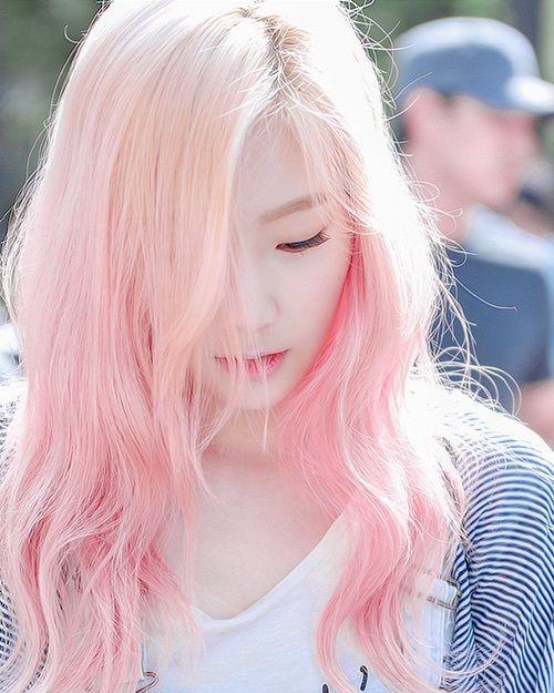 taeyeon-pink-hair