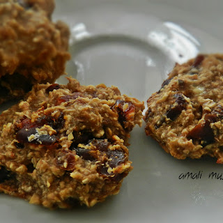 Vegan Oatmeal Banana Cookies.