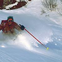 Discesa in neve fresca di