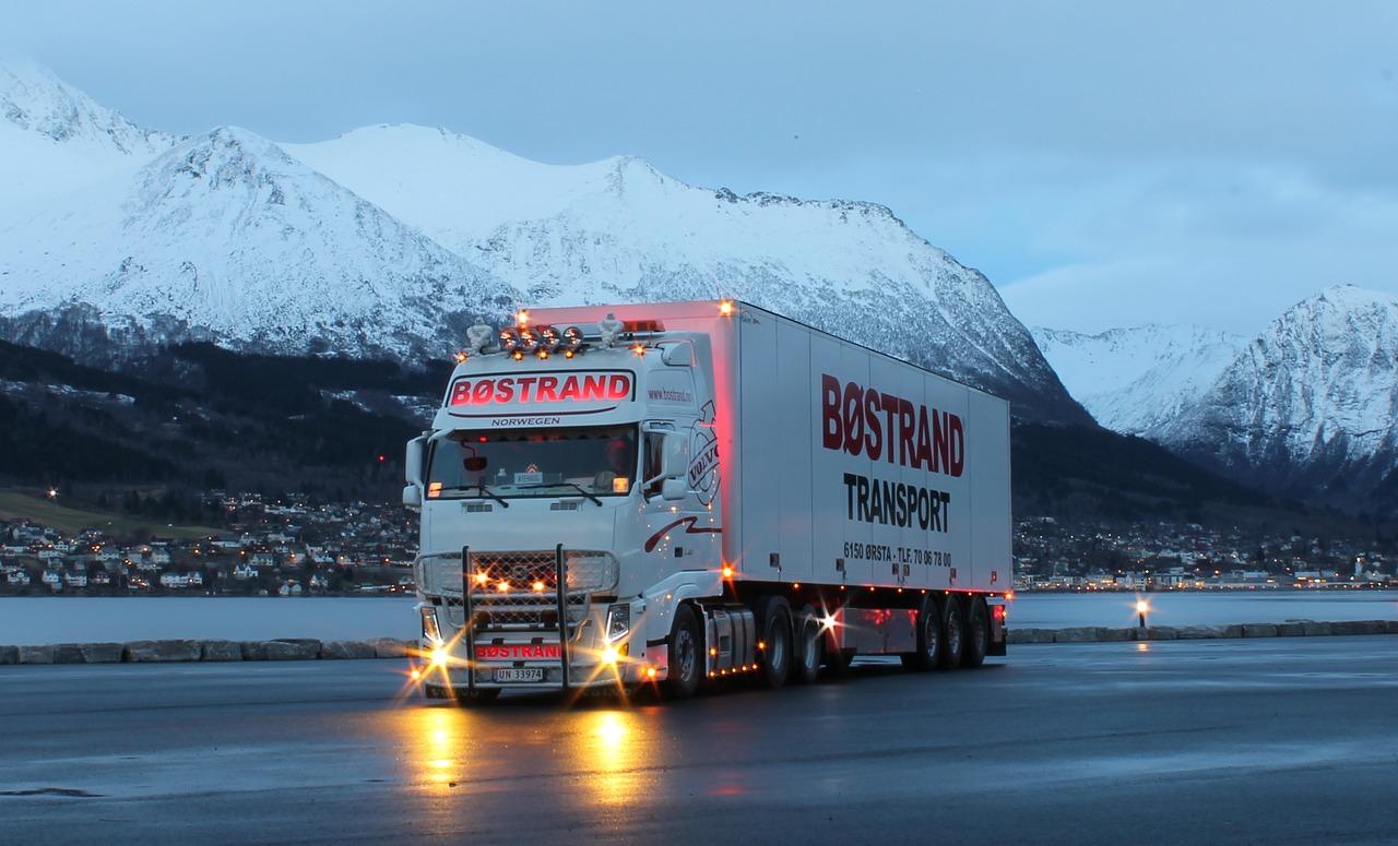 truck-2391940_1280.jpg