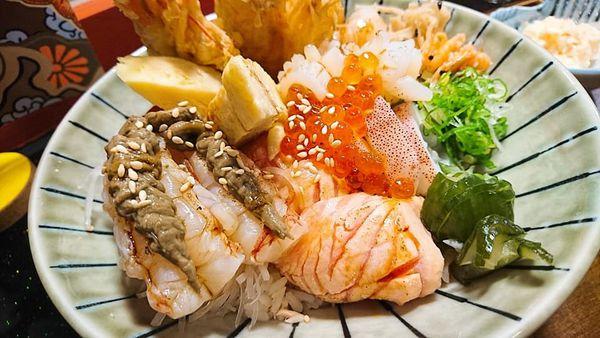 誠心實在的好料理!久違的蟹將軍與猛男海鮮丼  ~~巷丼食堂。