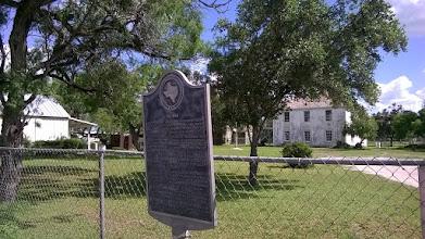 Photo: Helena old courthouse square