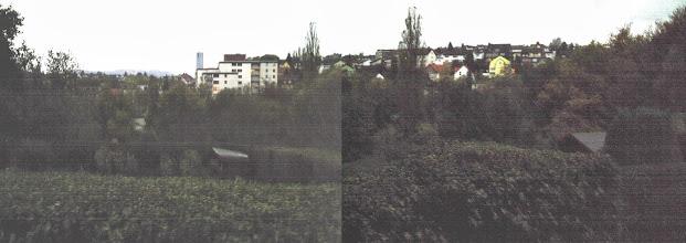 Photo: Diese Fotomontage zweier Digitalfotos vom 22. Oktober 2005 (gegen 18:20 Uhr) zeigt den Kuhlerkamp von der mäandrierenden Kiefernstraße aus.