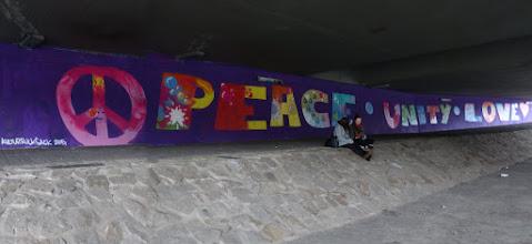 "Photo: Kulturrucksack Projekt mit Kids ""Power To The Children""; ""PEACE * UNITY * LOVE"""