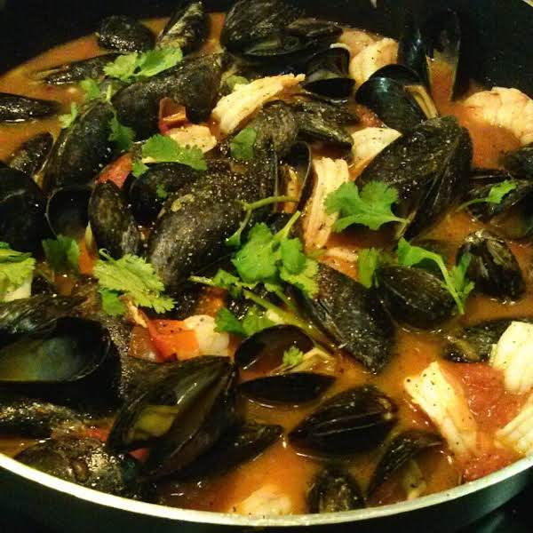 Mussels & Shrimp In A Light Tomato Wine Sauce Recipe