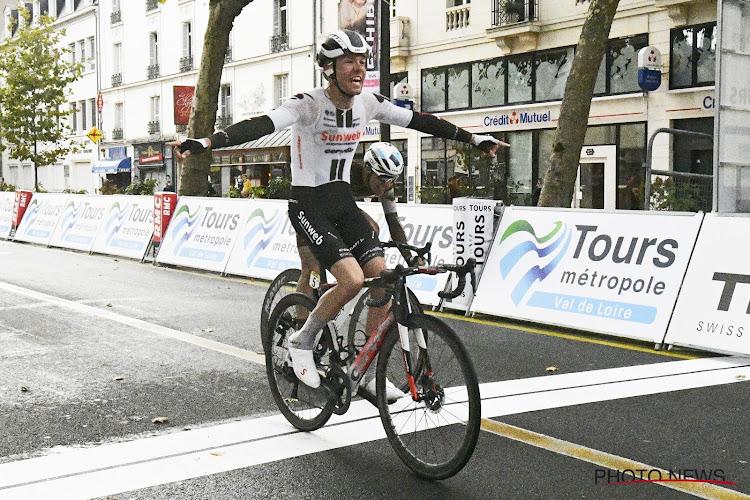 Na val van Kragh Andersen neemt andere Sunweb-renner het over in Parijs-Tours, Cosnefroy weer dicht bij zege
