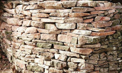 Marlstone wall in Charfield is hard to find as local quarries do not operate in locality
