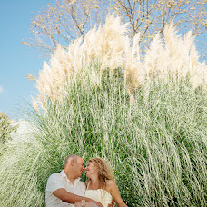 Wedding photographer Anna Bushueva (ladie). Photo of 03.12.2014