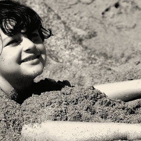 At the beach by Luciana Popa - Babies & Children Child Portraits ( #kidsphotography, #outdoors, #beach, #kids, #outdoorspic, kid, #play, #image, #beachimage, #black&white, #photo, #sun, #picoftheday, #beachsand )