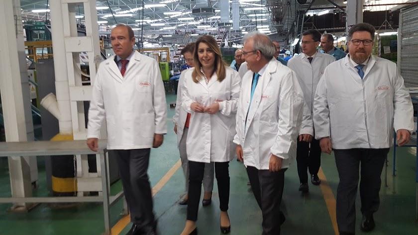 Susana Díaz anuncia los primeros veinte millones para modernizar invernaderos